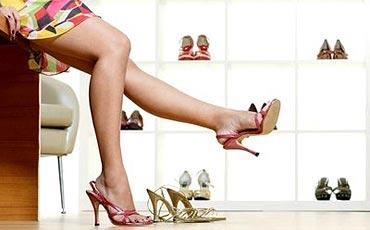 เตือนกระเป๋า-รองเท้าทำลายสุขภาพ